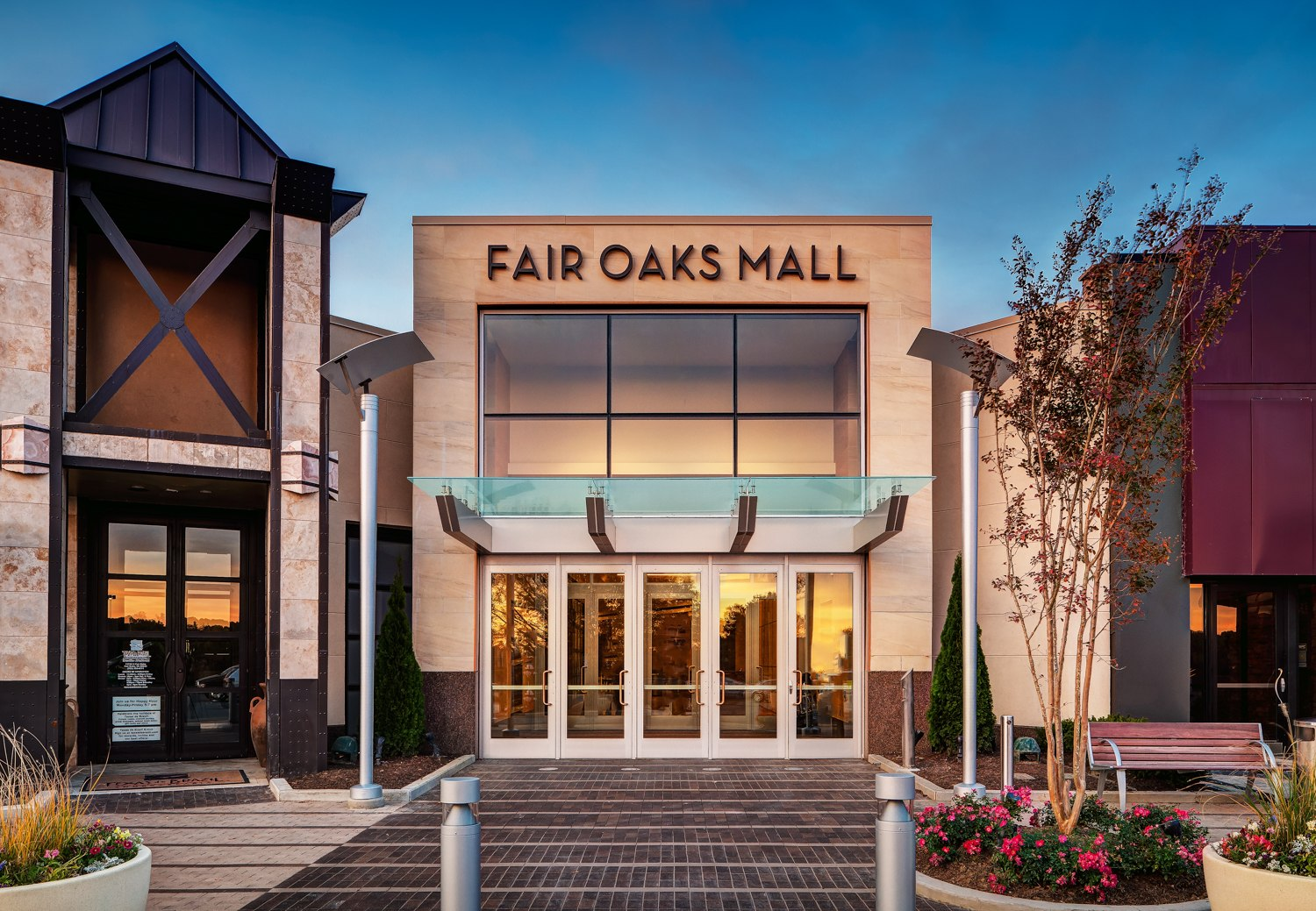 A charming streetscape awaits you at The Oaks Mall in Gainesville, where you have access to more than stores featuring all your favorite brands. No matter Location: Newberry Road, Gainesville, , FL.